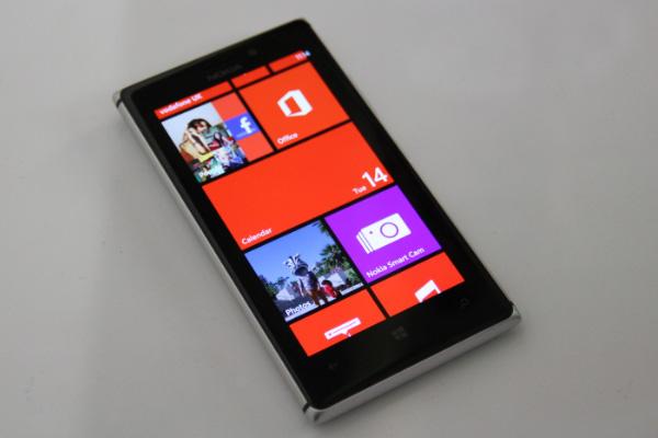 Обзор смартфона Нокиа Люмиа 925